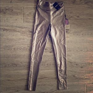 NWT Forever 21 shiny metallic leggings size small